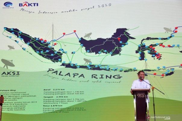 Menteri Komunikasi dan Informatika menjelaskan proyek Palapa Ring