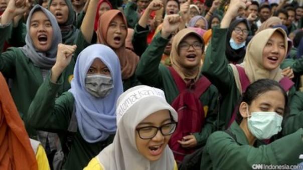 Dampak Corona, Mahasiswa Desak Nadiem Makarim Turunkan Uang Kuliah